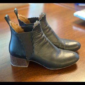 Scallop Chelsea Boot
